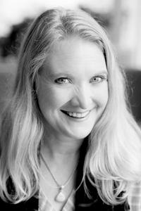 Jennifer Holzapfel-Hanson
